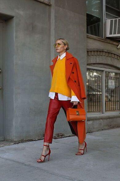 come abbinare i colori analoghi arancione