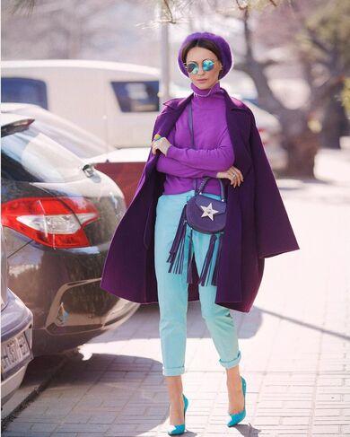 come abbinare i colori simili analoghi nell'abbigliamento